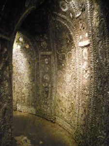 Shell grotto 10 (337x450)