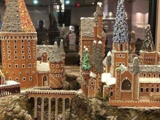 Hogwarts gingerbread feature